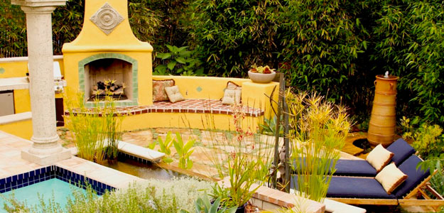Global Decor Moves Outdoors « Bombay Outdoors on Mexican Backyard Decor  id=79410