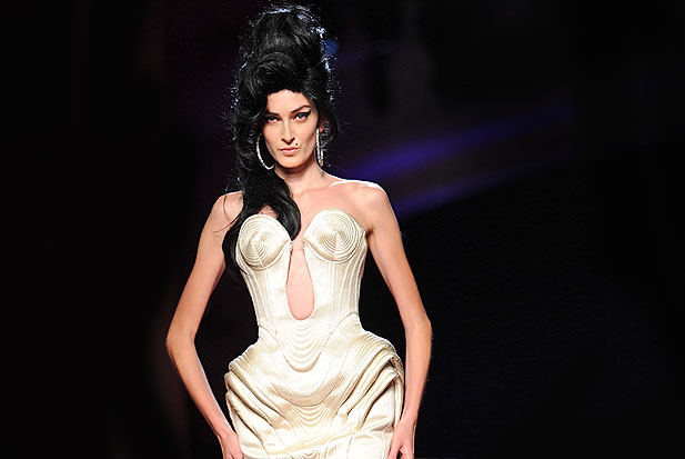 amy-winehouse-gaultier