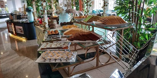 Restoran hotel senyum world Batu Malang