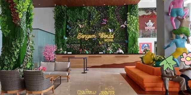 Lobby Resepsionis Hotel Senyum World Batu Malang