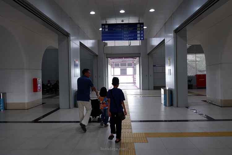 stasiun LRT Bumi Sriwijaya