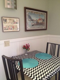 Kitchen table/eating nook