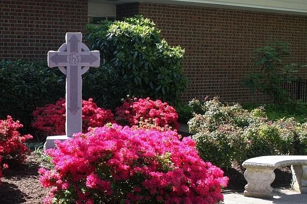 1 Memorial Garden_042609_0004