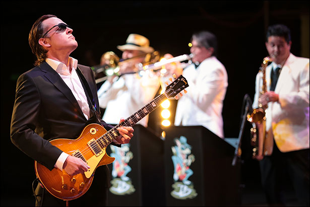 joe-bonamassa-red-rocks