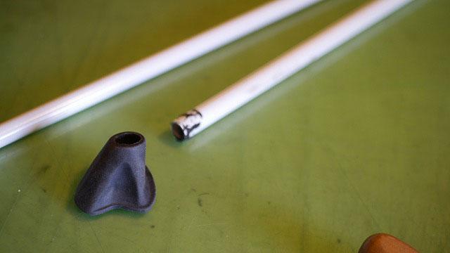 (BEAMS GOLF)ビームスゴルフ/スタンドキャディバッグのゴム脚を取り外す