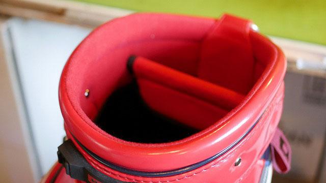 (ONOFF)オノフ/キャディバッグにセルフスタンドバッグが入るようにセパレーターを取り除く