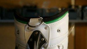 (MIURA)三浦技研/キャディバッグのショルダーベルトを固定する金具のベースレザー破れを作製交換修理