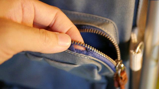 木の庄帆布×ミズノ/スタンドキャディバッグのポケットファスナー破損
