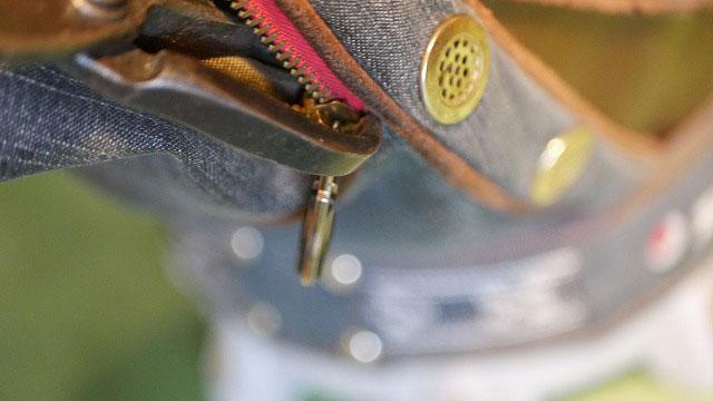 (zipangstudio)琉球ゴルフ/キャディバッグのファスナースライダーの開きを調整