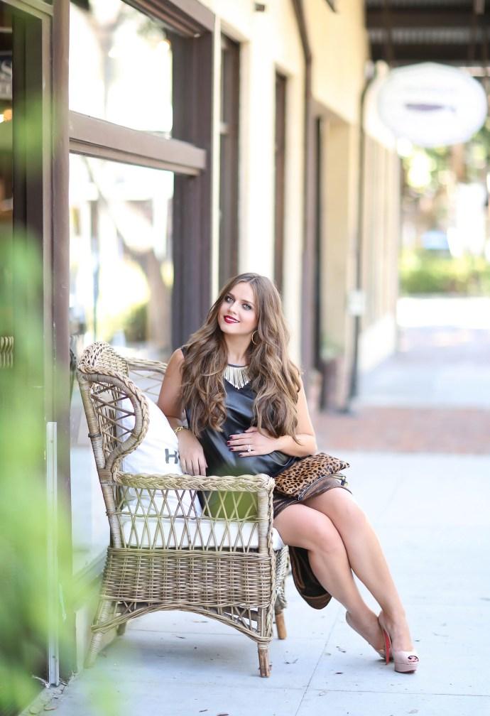 maternity_fashion_bond_girl_glam_irina_bond_pregnancy_style_leather_bailey_44_leather_shirt_metallic_skirt_bleudog_fotography