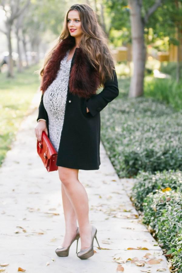 #BumpStyle // Fitted Coat & Faux Fur Stole | BondGirlGlam.com