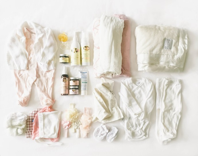 What to Pack for the Hospital for Labor | BondGirlGlam.com
