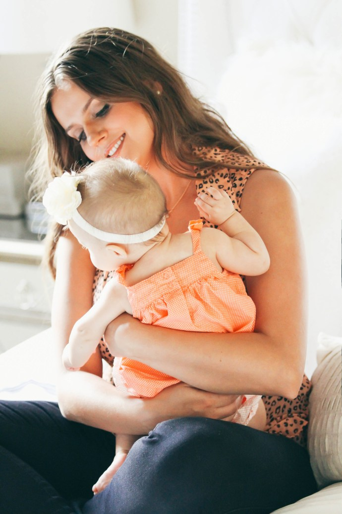 How To Dress Cute While Nursing | BondGirlGlam.com