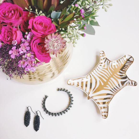 bond-girl-glam-irina-bond-jewelry-kendra-scott-mystic-bazaar-bangle-earrings