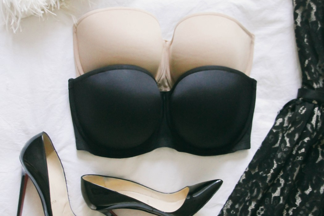 Best Strapless Bra That Doesn't Fall Down | BondGirlGlam.com