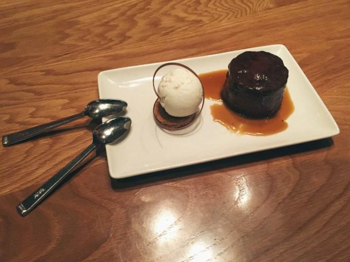 bond-girl-glam-date-night-la-live-jw-marriott-fords-filling-station-chocolate-bread-pudding-dessert