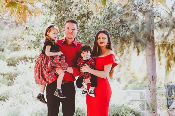 Our Family Christmas Photos 2017 | BondGirlGlam.com