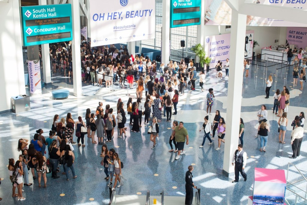 Long lines at Beauty Con