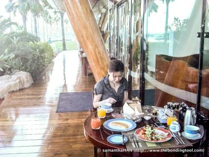 Breakfast at Burj al Arab.