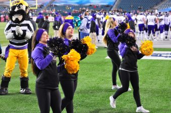 East Carolina cheerleaders show their school spirit. (Al Myatt photo)