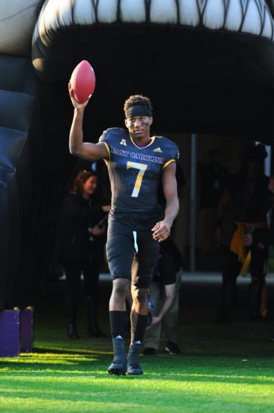 Wide receiver Zay Jones salutes Pirate Nation as he comes out on Senior Day. (Bonesville Staff)