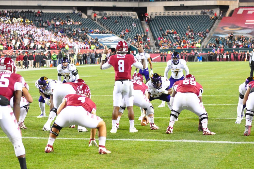 Temple senior quarterback Phillip Walker sets the offense deep in his own territory. (Al Myatt photo)