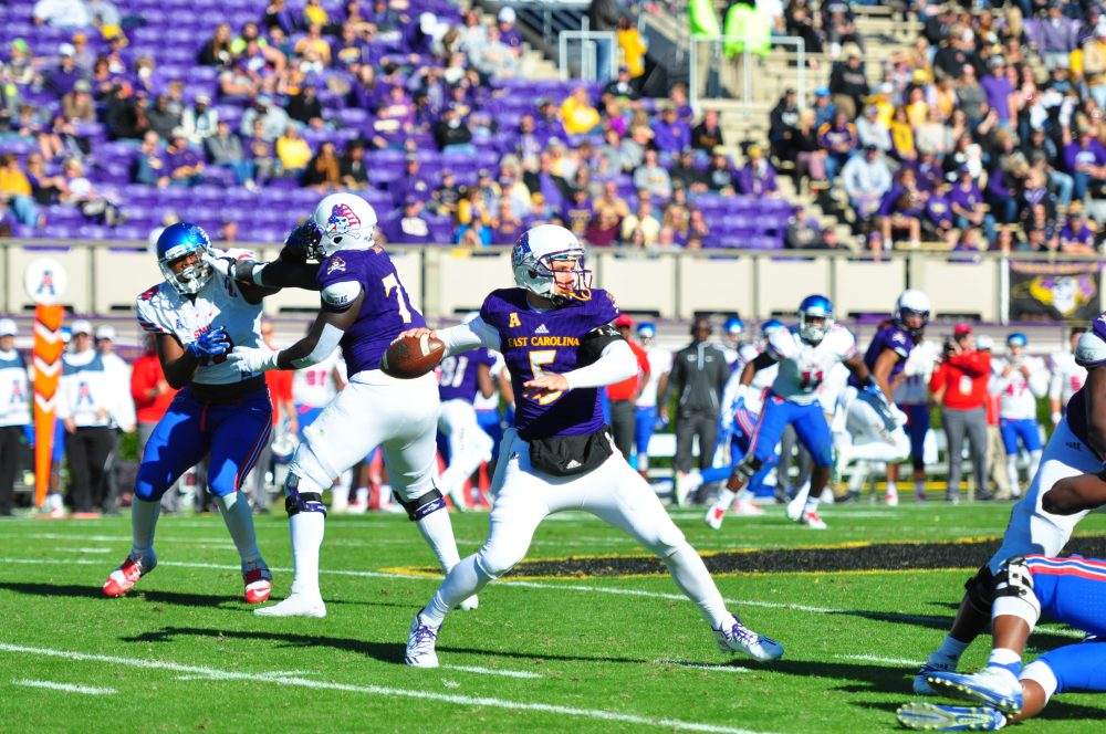 Gardner Minshew played quarterback in relief of starter Philip Nelson on Saturday. (Bonesville Staff photo)