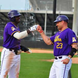 <span style='color:#111111;text-decoration:none!important;font-size:16px;text-transform:uppercase;'>Baseball</span><br>ECU wins series with big inning