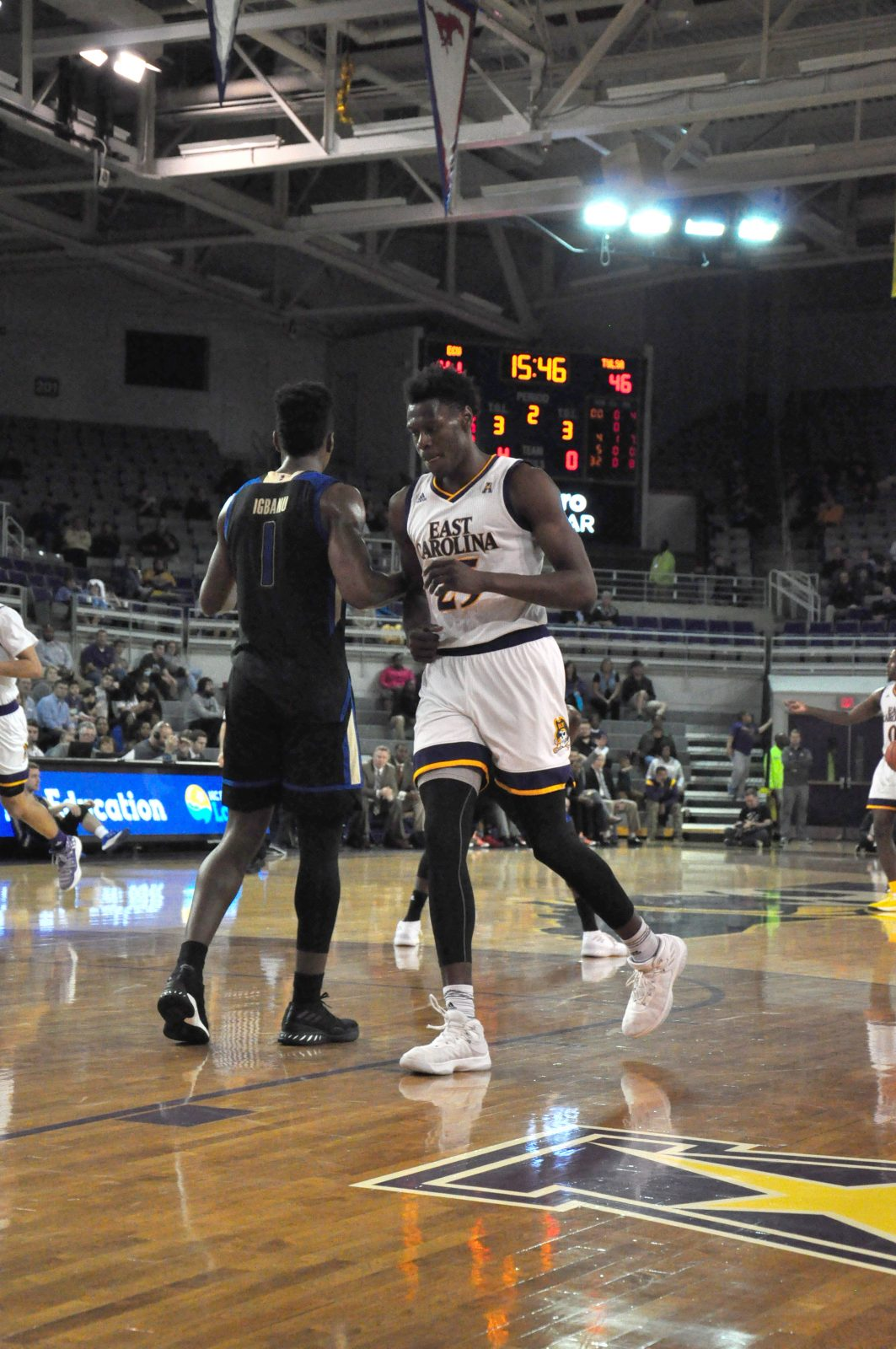 ECU senior Jabari Craig moves toward the low post as he returned from an eight-game absence due to a left foot injury. (Photo by Al Myatt)