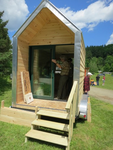 The Mushroom House - a house insulated with Ecovative's Myco-Foam technology