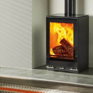 vision small t woodburning with optional glass top plate and gloss black flue pipe mi 1