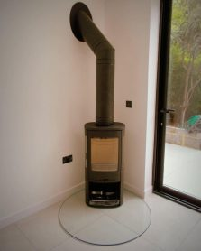 Contura 810 Style with glas hearth and flue system