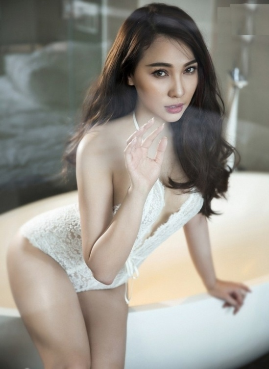 do-mat-voi-loat-hinh-anh-sexy-cua-nguoi-mau-dien-vien-hoang-dung10