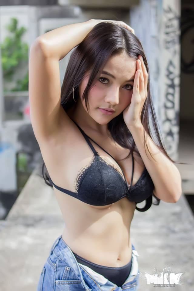 nong-hung-huc-vi-man-khoe-veu-sieu-ngot-cua-Wanapa-Puypuy-Mueninto (2)