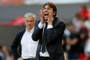 Dù đã được đền bù, Conte vẫn muốn kiện Chelsea