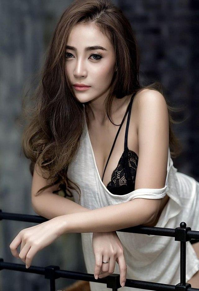 Bowlki-Phasinee-khoe-buoi-mong-don-guc-moi-trai-tim (10)