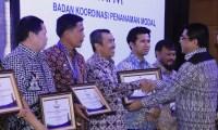 Galeri Foto Pemkab Siak: Bupati Syamsuar Terima Piala PTSP Kabupaten Terbaik tingkat Nasional 2016