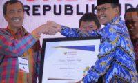 Pemkab Siak Terima Penghargaan dari Ombudsman