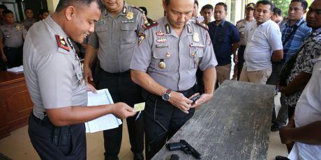Polres Aceh Utara Periksa Senjata Anggota Laras Pendek