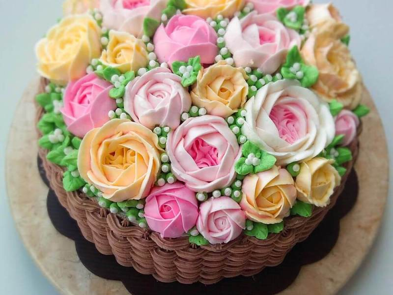 Korean buttercream cake, homemade flower cake, premium lapis Surabaya, birthday cake Jakarta, blue rose