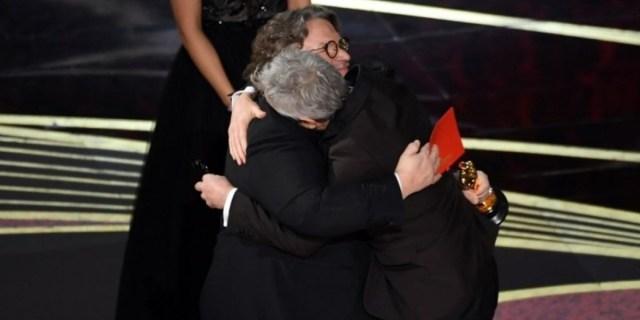 El abrazo entre Guillermo del Toro y Alfonso Cuarón