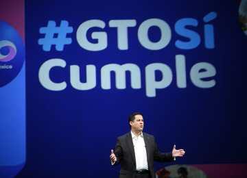 El gobernador Diego Sinhue al rendir su primer informe de gobierno