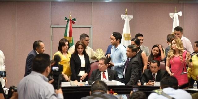 Destituye Congreso de Veracruz a fiscal Winckler