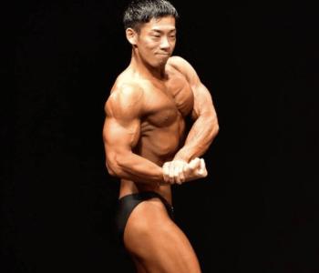 【ミルクボーイ駒場】筋肉画像!大阪ジャングルジムに通いMIZUNOで指導も?