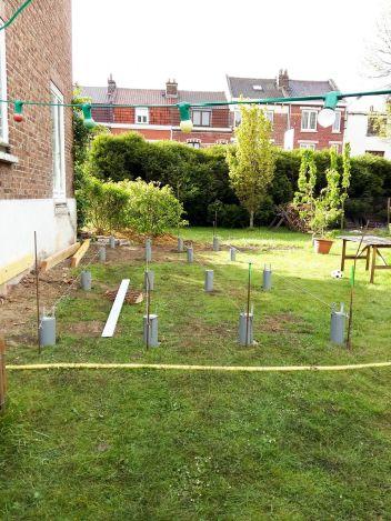 construction terrasse bois sur poutres porteuses et plots béton (8)