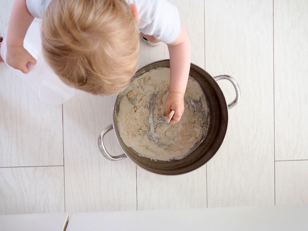 Peinture suédoise ou peinture à la farine noire extérieur