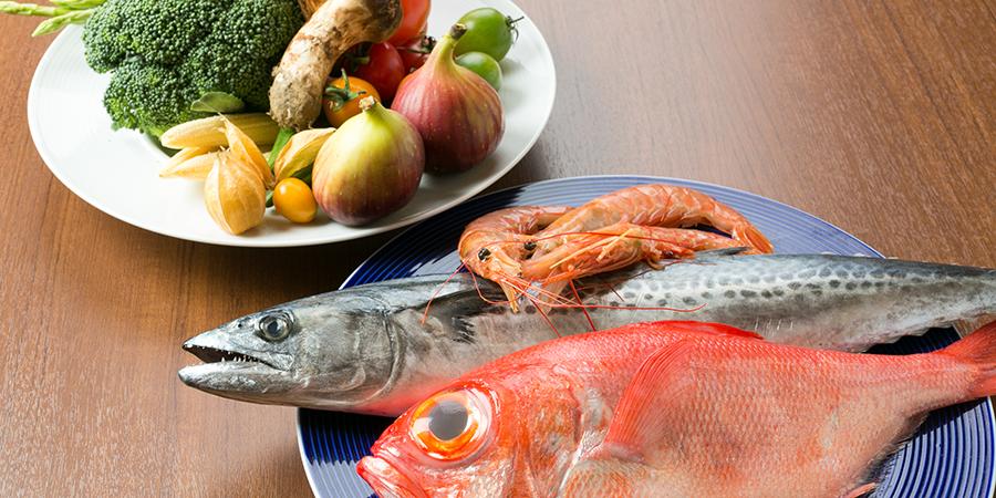 魚介類や野菜など調理に使う素材