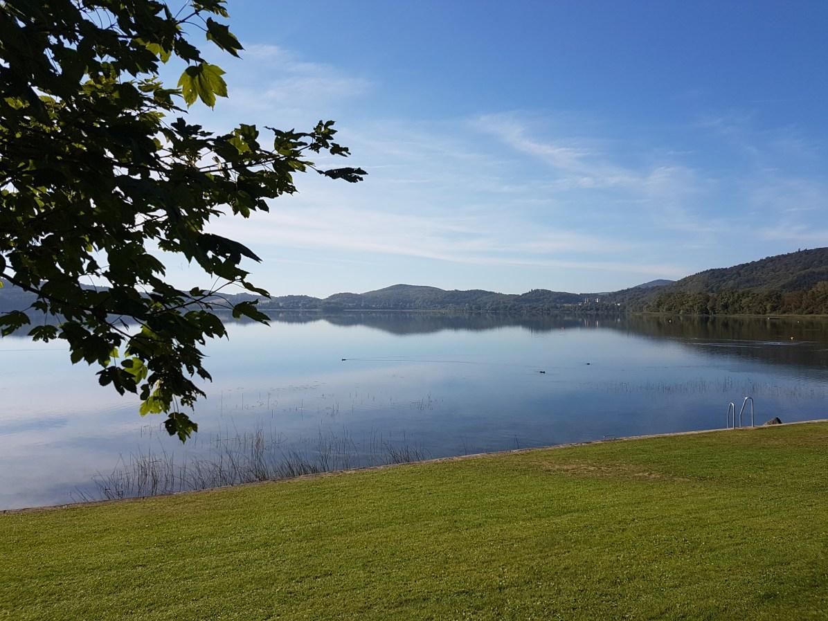 Liegewiese am Laacher See / Bild: bonnFM - Aylin Suhrborg