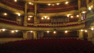 Warum wir mehr ins Theater gehen sollten…