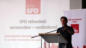 Kevin Kühnert auf dem Bonner Parteitag der SPD